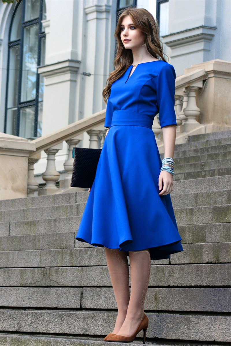 Blue dress with circle skirts