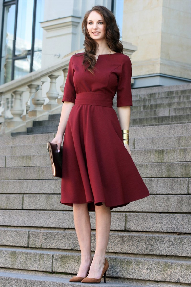 Dark red dress with circle skirts